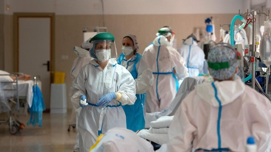 España supera los 22.000 fallecimientos por coronavirus tras nueva alza en muertes diarias