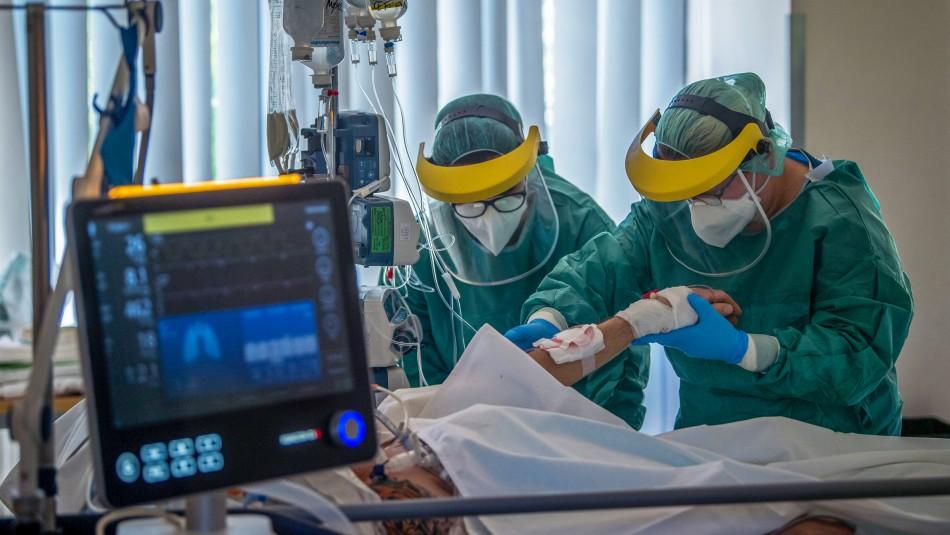 Especialistas alertan por misterioso problema en la sangre de pacientes con el nuevo coronavirus