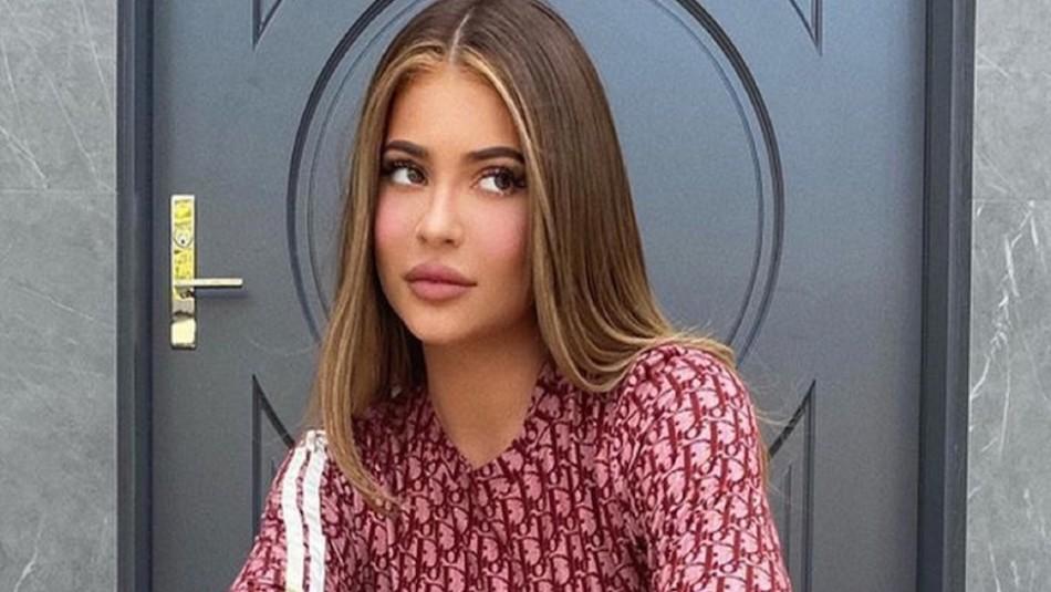 Kylie Jenner cambia de look y compra una lujosa mansión cerca de su ex Travis Scott