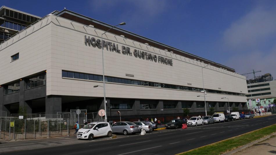 Pelea en Hospital Gustavo Fricke termina con funcionario herido con arma blanca