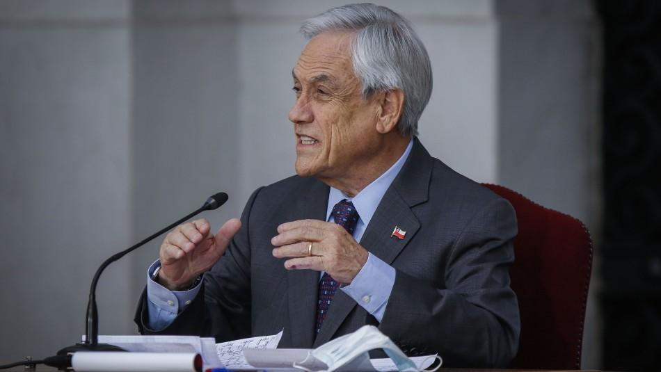 Piñera firma proyecto para proteger ingresos de trabajadores independientes con boleta de honorarios