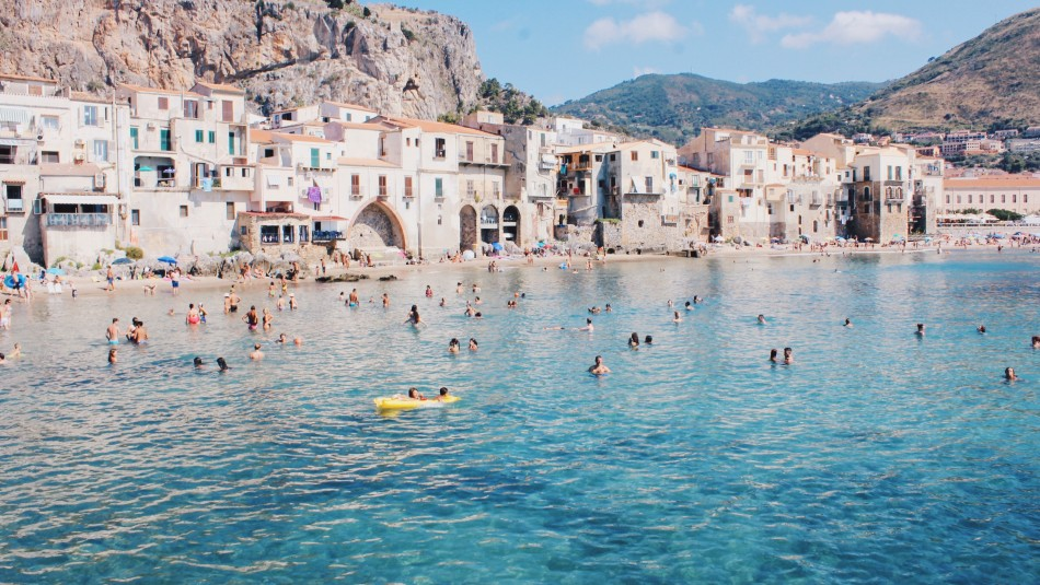 Paraíso italiano ofrece pagar vuelos y hospedaje a turistas cuando termine la pandemia