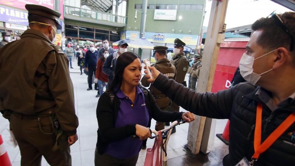 Fin de semana largo: Fiscalizan terminal de Estación Central ante alto flujo de pasajeros