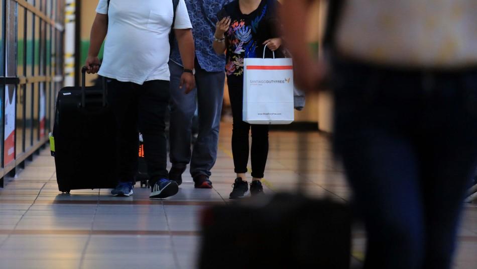 Sernac ha recibido más de 12 mil reclamos durante crisis de coronavirus: Lideran turismo y educación