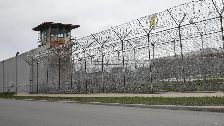 Motín en cárcel de Venezuela termina con 47 muertos y 75 heridos