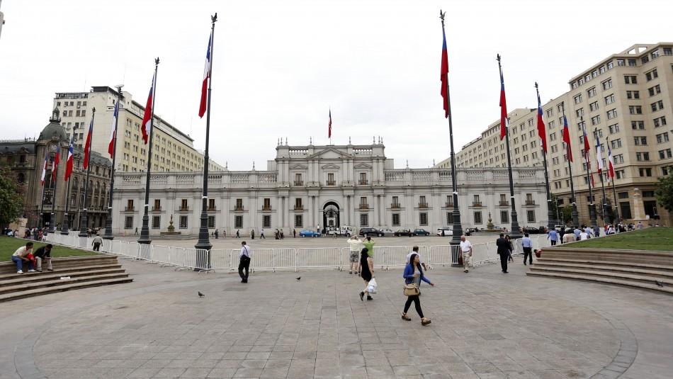 Activan protocolo en La Moneda por caso confirmado de coronavirus en un trabajador de prensa