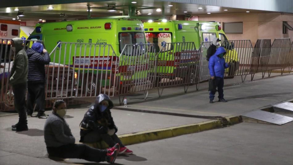 Hospital San José: Pacientes sospechosos de coronavirus esperan desde el miércoles en ambulancia por atención