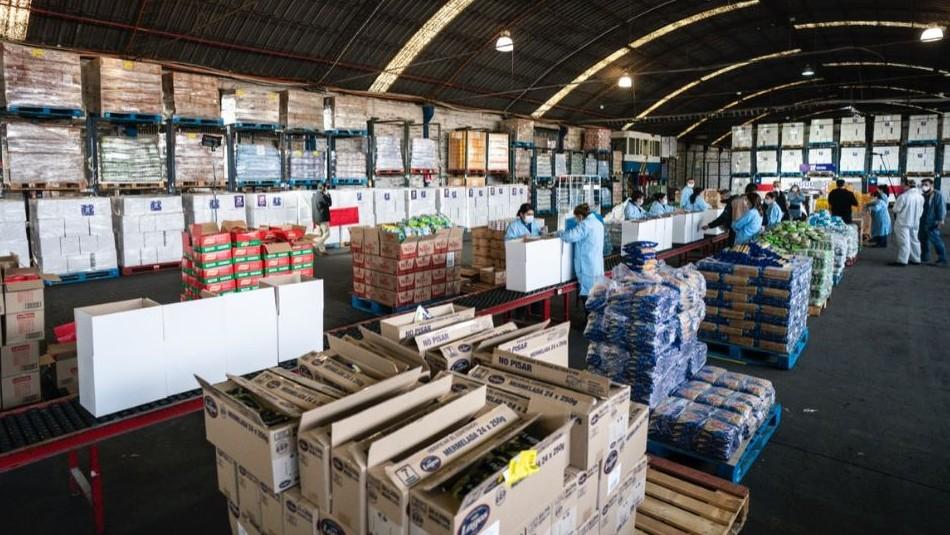 Canasta de alimentos: Sigue la entrega en Santiago y otras comunas del país