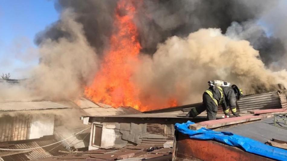 Incendio se registra en cité ubicado en comuna de Estación Central