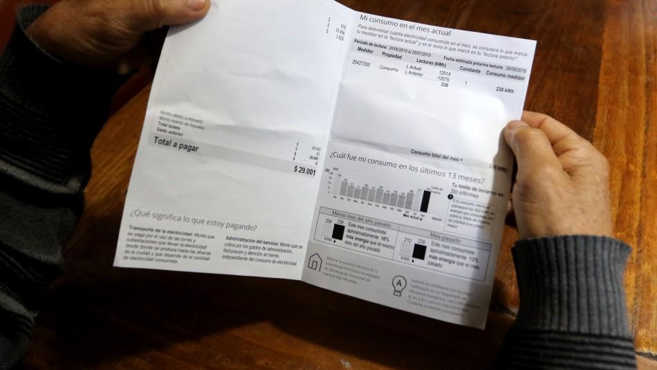 Superintendente de Electricidad informa de nueva medida por cobros en cuentas de luz
