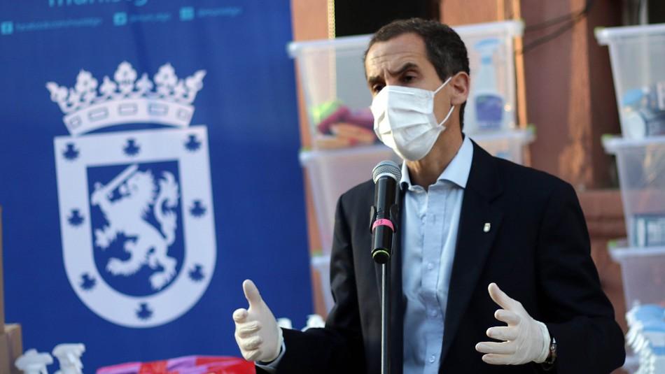 Tres son reincidentes: Alcalde de Santiago pide prisión preventiva para detenidos en fiesta clandestina