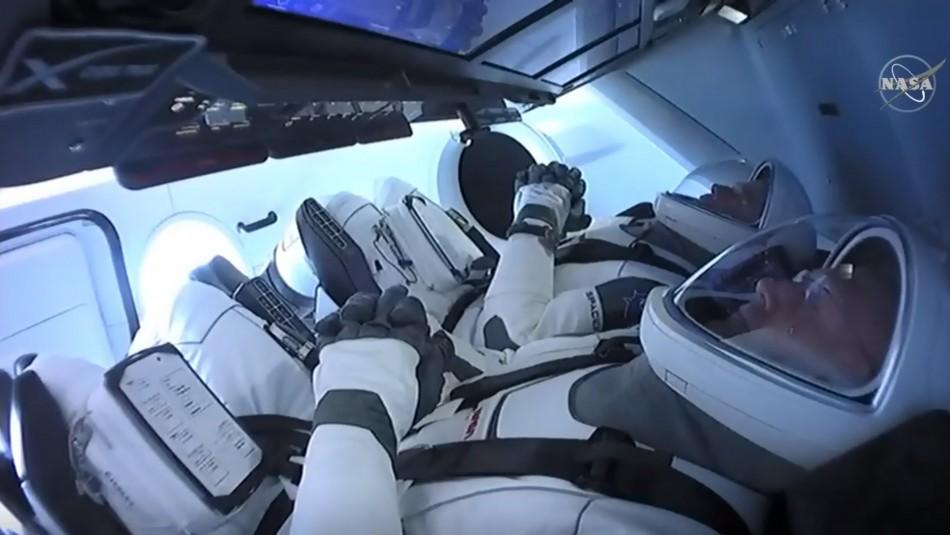 Cápsula de SpaceX se acopló este domingo a la Estación Espacial Internacional