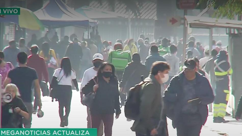 ¿Se respeta la cuarentena en Santiago?: Múltiples transeúntes y un posible infectado en Santiago