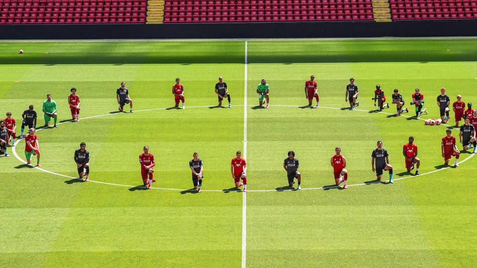 La foto del plantel del Liverpool.
