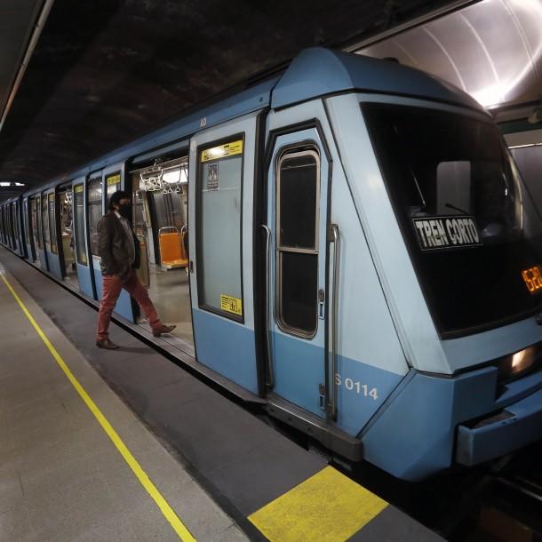 Metro implementa primeros tótem de carga Bip! solo con tarjetas