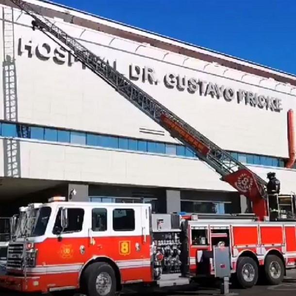 Emergencia en Hospital Gustavo Fricke por emanación de humo
