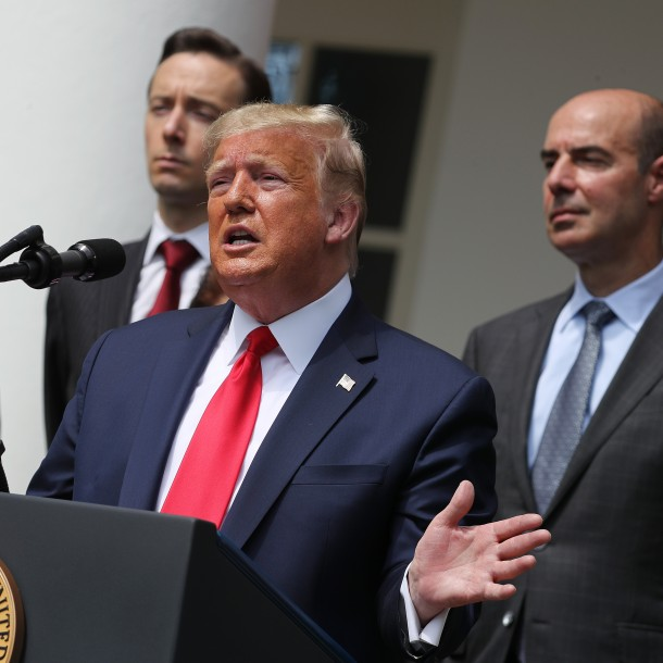 Trump celebra que EEUU supera