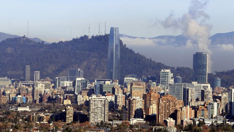 Universidad estadounidense sitúa a Santiago como la novena ciudad con más contagios de coronavirus en el mundo