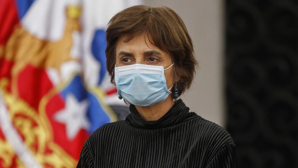 Mañalich informa cuarentena preventiva de Paula Daza por contacto estrecho con persona sospechosa de contagio