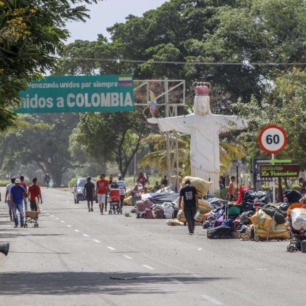Venezuela restringirá paso de migrantes por frontera con Colombia