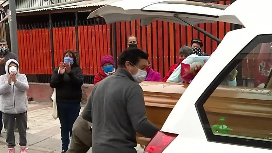 Ataúd de fallecida por coronavirus fue retirado de la casa de su nuera: Anuncian sumario sanitario