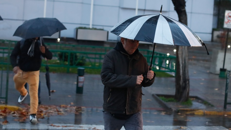 Pronostican precipitaciones y frío para este viernes en Santiago