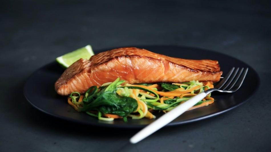 ¿Las mujeres embarazadas pueden comer salmón ahumado?