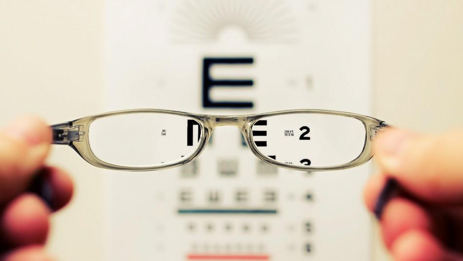 Cuarentena podría incrementar el riesgo de miopía en niños y adolescentes según especialistas