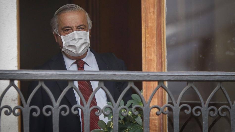 Mañalich a 100 días de la pandemia: Desde que uno asume, la renuncia está en el escritorio del Presidente