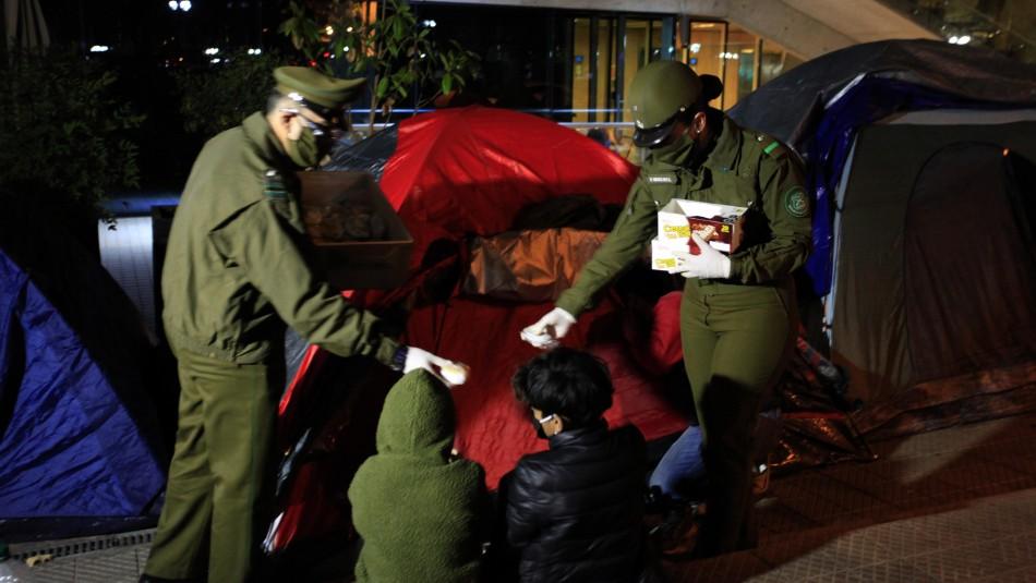 Ciudadanos colombianos mantienen campamento en Providencia pese a ultimátum de Matthei