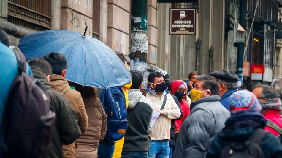 Valparaíso: Largas filas en Registro Civil y supermercados a horas de iniciar cuarentena