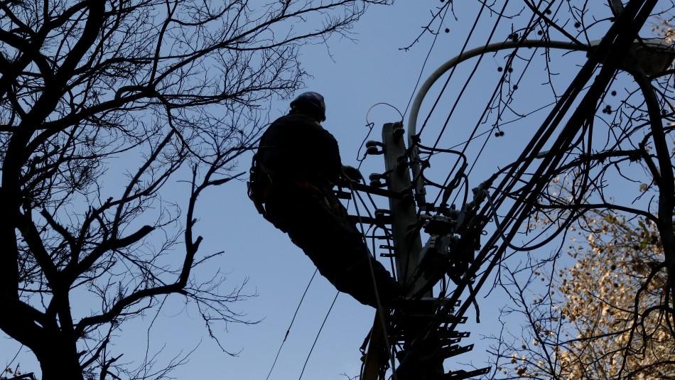 Fuertes vientos generan cortes de luz en sectores del Gran Concepción