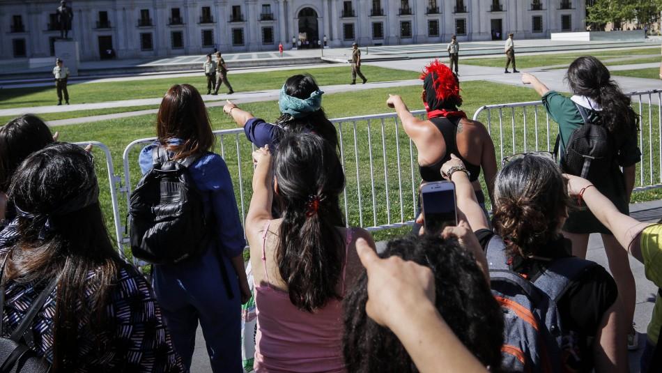 Carabineros denuncia a colectivo Las Tesis por atentado contra la autoridad y amenazas