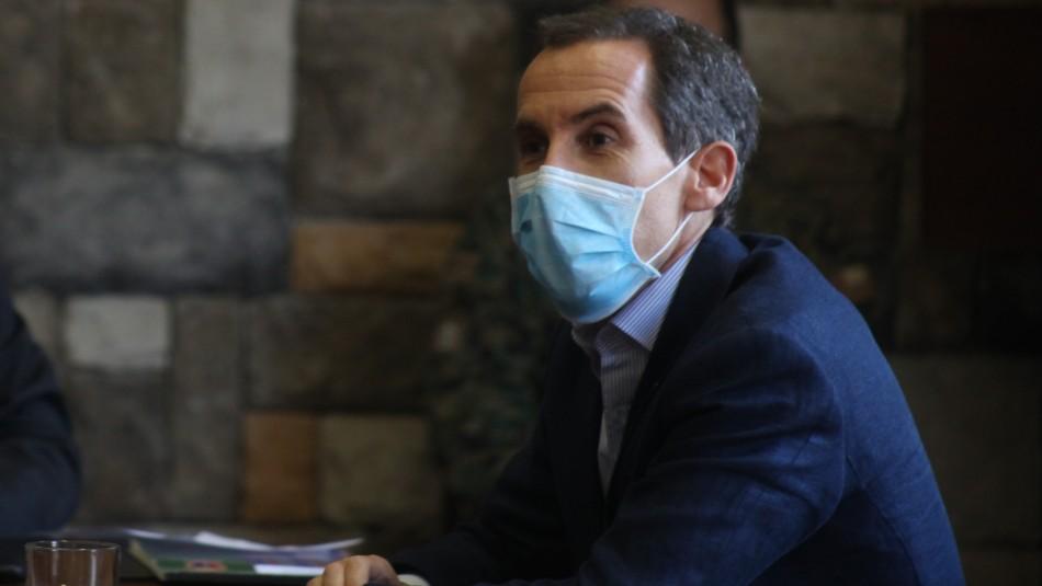 Alcalde de Santiago aboga por adelantar el toque de queda y cerrar la ciudad el fin de semana