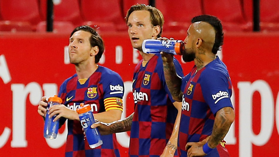 Arturo Vidal es alabado en España.