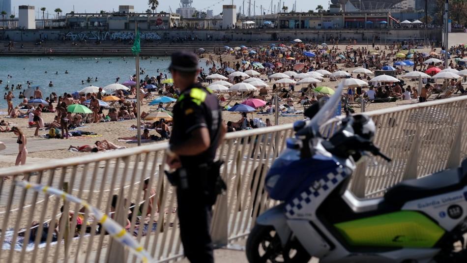 Gran cantidad de gente en playas y aeropuertos: España prueba la