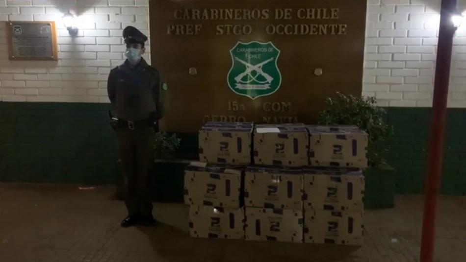 Carabineros recupera cajas de alimentos robadas durante asalto en Cerro Navia
