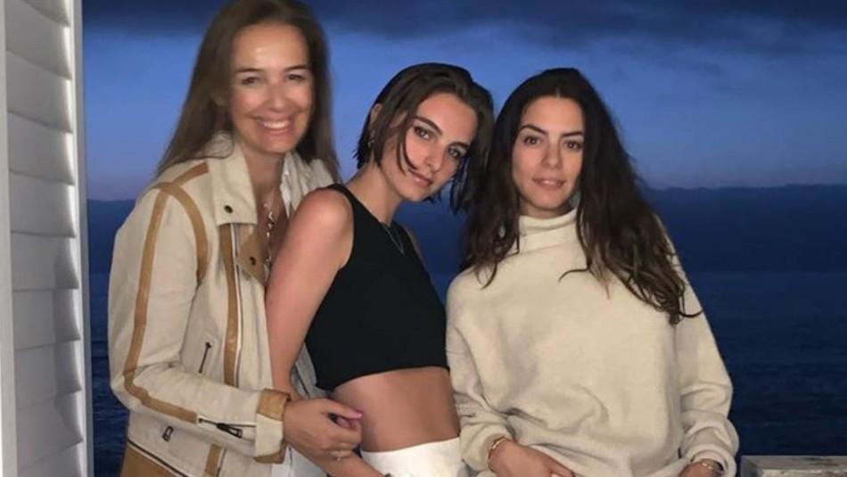 Rosita Parsons y sus hijas con pololas: