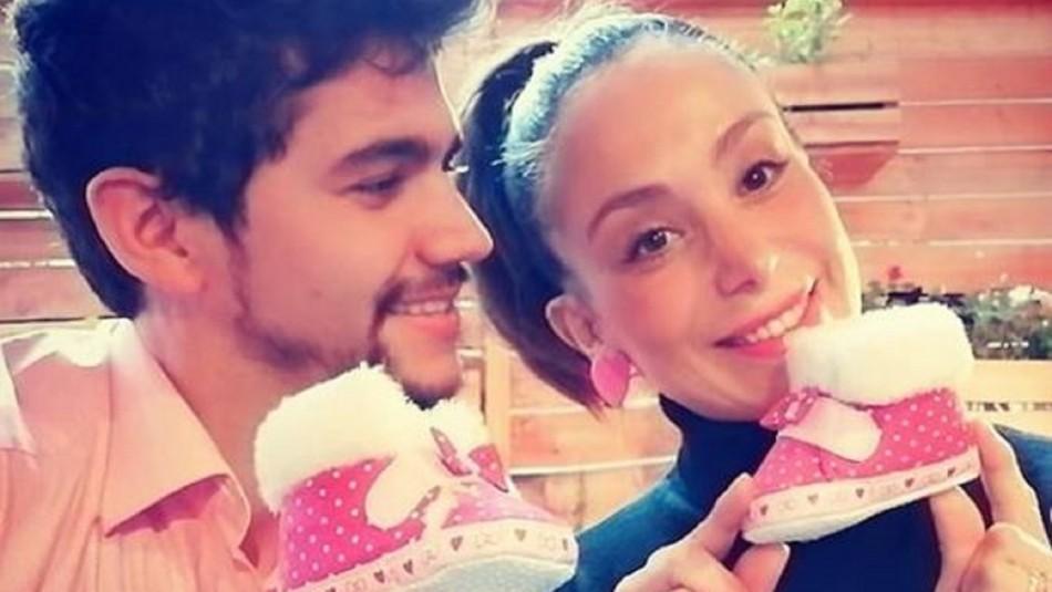Yamna Lobos publica las primeras imágenes con su hija recién nacida: