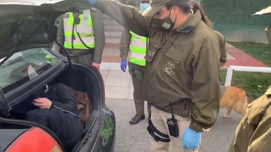 Descubren a persona que se ocultaba en el maletero de un taxi tras fiscalización en Curacaví