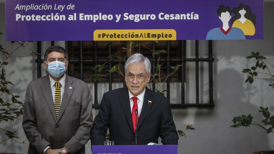 Flexibilización de requisitos y aumento de montos: Piñera firma proyecto que amplía Ley de Protección al Empleo