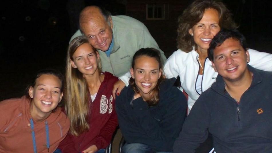 La familia de la arquera Christiane Endler.