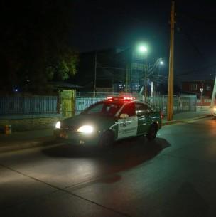 Antisociales visten falsos uniformes de Carabineros y disparan en contra de efectivos policiales