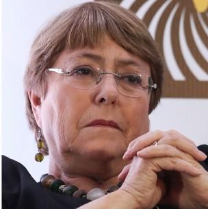 Gobierno confirma conversación entre Piñera y Bachelet: Expresidenta pidió máxima reserva