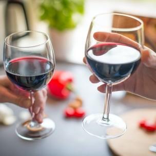 Científicos revelan el efecto que tiene un poco de alcohol en la función cognitiva