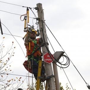 Usuarios de redes sociales reportan cortes del suministro de luz en la capital