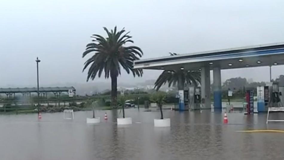 Sistema frontal en la Región de Valparaíso: Fuertes lluvias producen colapso en las calles de Concón