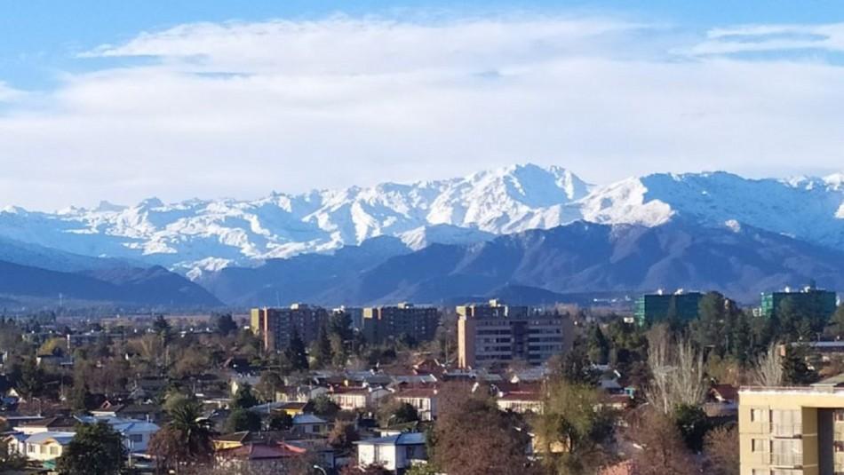 Usuarios de redes sociales muestran la cordillera de Los Andes tras lluvias que cayeron en el país