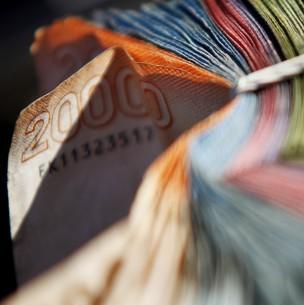 Informe: Deudas en hogares chilenos alcanzan su máximo nivel histórico