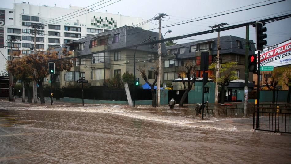 Activan plan preventivo por eventuales cortes de luz ante pronóstico de lluvia en Santiago